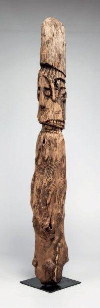 Gato, Ethiopie. Statue féminine à visage...