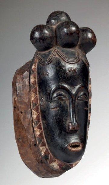 Baoulé, Côte d'Ivoire. Masque féminin au...