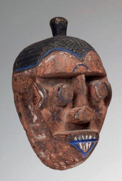 Ijo, Nigéria. Petit masque au visage traité...