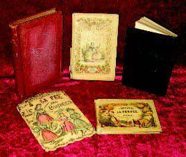 Ensemble de cinq ouvrages d'enfants ayant...
