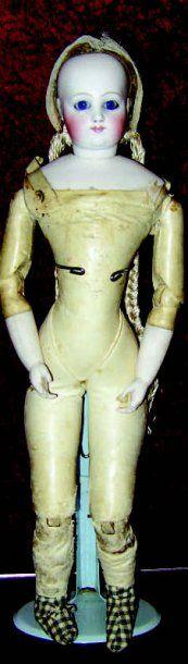 Exceptionnelle poupée parisienne, tête pivotante...
