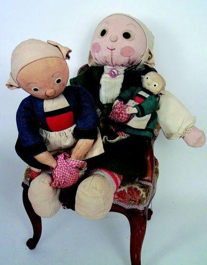 Ensemble de poupées BECASSINE en tissu bourré,...