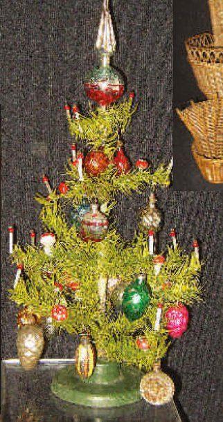 Sapin de Noël artificiel avec décoration...