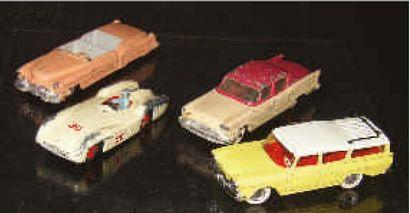 Quatre voitures particulières au 1/43ème...