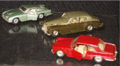 Trois voitures particulières au 1/43ème de...