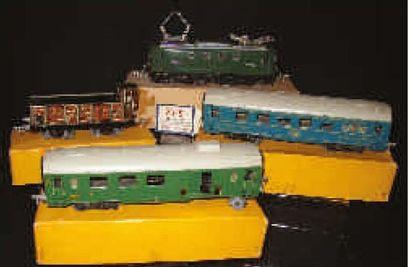 Train de marchandises de fabrication française...