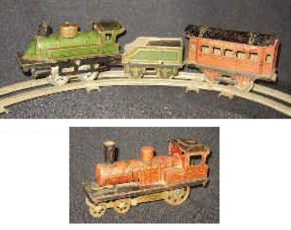 Deux petits trains mécaniques de la Ste Industrielle...