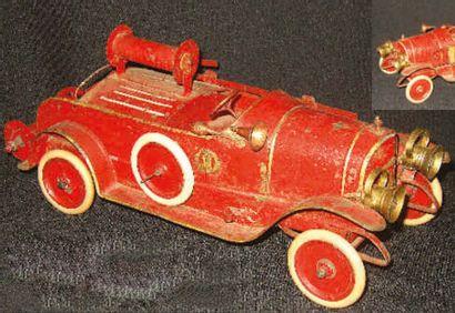 Superbe voiture de pompiers D E L A H AY...