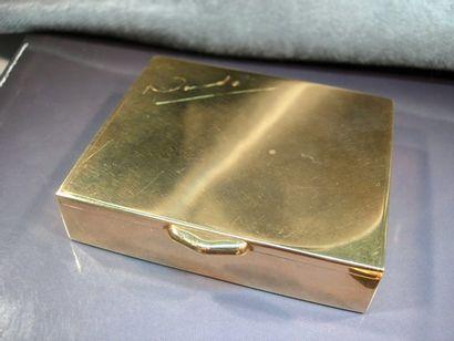 Boîte rectangulaire en or jaune lisse. Poids:...