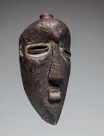 SALAMPASU, République du Congo. Masque en...