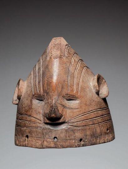 AFO/IGALA, Nigéria. Masque heaume en bois...