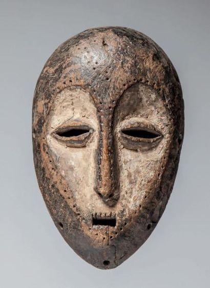 LEGA, République du Congo. Masque ovale dont...