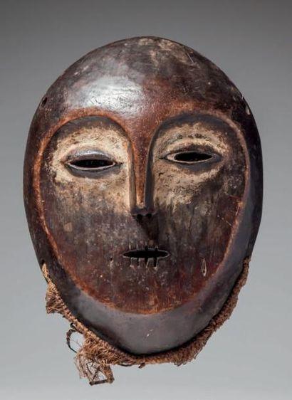 LEGA, République du Congo. Masque à large...