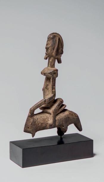 DOGON, Mali. Cet archaïque cavalier Dogon...