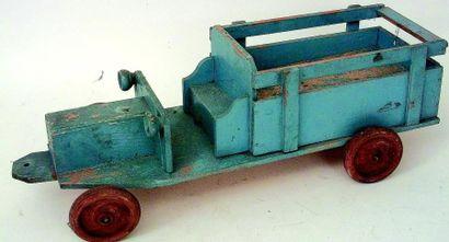 Camion en bois de couleur bleue, transport...