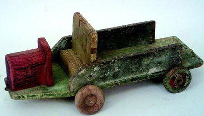 Petit camion vert et rose. L 30 cm