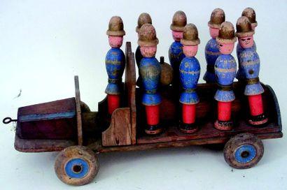 Camion pompier en bois polychrome, jouet...