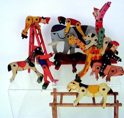 «Le Cirque» grand ensemble de personnages...