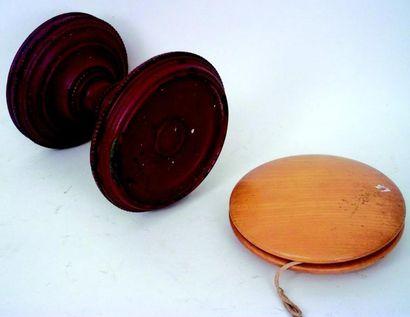 Un «Yo- yo» et un diabolo de compétition...