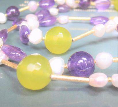 Sautoir d'améthystes, quartz jaune (teinté)...