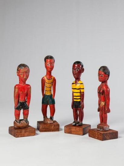 BAOULE, Côte d'Ivoire. Quatre statues anciennes...
