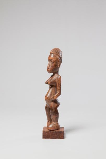SENOUFO, Côte d'Ivoire. Statue féminine en...