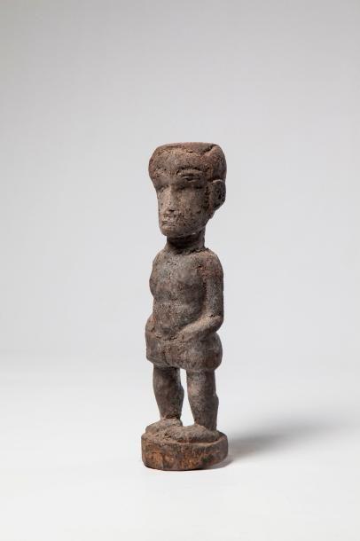 ABRON. Statue en bois léger recouverte d'une...