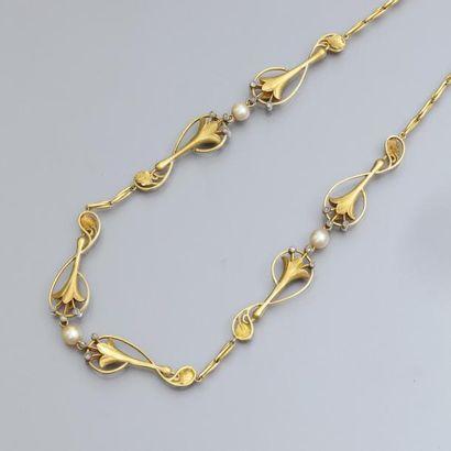 Collier Art Nouveau en or jaune 750°/00,...
