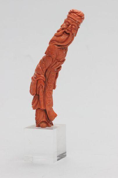 Statuette en corail peau d'ange représentant...