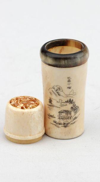 Flacon de poudre à encre en os Chine. Haut.:...
