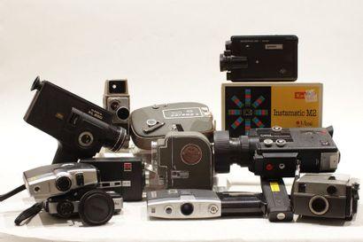 CAMERAS, ensemble de douze caméras : Kodak...