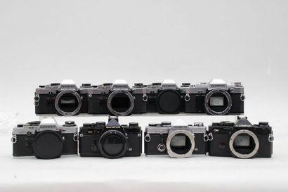OLYMPUS, ensemble de huit appareils. Huit...