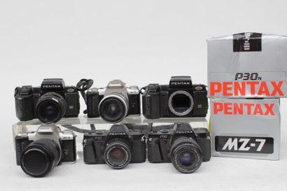 PENTAX, ensemble de huit appareils : deux...
