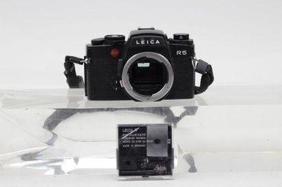LEICA, LEITZ. Boitier Leica R5 (1987) n°1718216,...