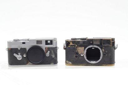 LEICA, LEITZ. Deux boitiers Leica M2 (1962)...