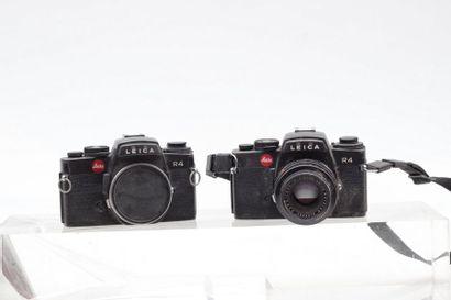LEICA, LEITZ. Deux boitiers Leica R4. Boitier Leica R4 (1983) n°1613813 avec objectif...