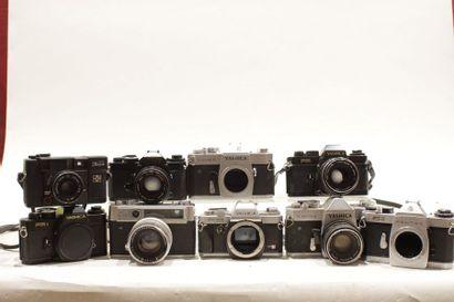 YASHICA et divers, ensemble de neuf appareils...