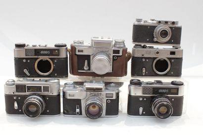 KIEV, Zorki et FED, ensemble de sept appareils....
