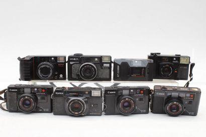 COMPACTS, ensemble de vingt appareils de diverses marques : Canon, Minolta, Konica,...