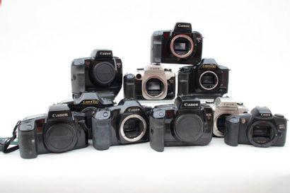 CANON, ensemble de dix boitiers sans objectifs. Trois boitiers Canon EOS5 dont un...