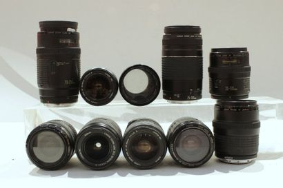CANON, ensemble de dix objectifs : un Canon EF-S 3.5-5.6/18-55, deux Canon EF 3.5-4.5/35-105,...