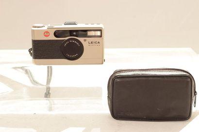 LEICA LEITZ, un appareil Leica Minilux n°2091993 avec Leica Summarit 2.4/40 mm avec...