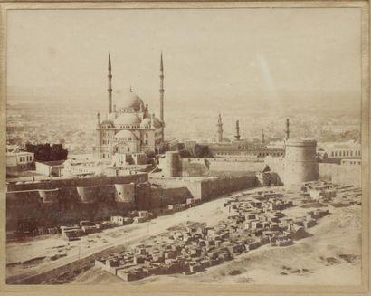 PHOTOGRAPHIE. Egypte, le Caire. Vue sur la Citadelle et la Mosquée Mohammed Ali...