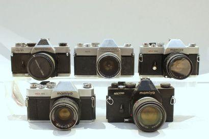 MAMIYA, MAMIYA SEKOR, ensemble de cinq appareils....