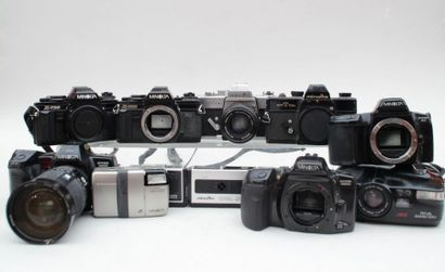 MINOLTA, ensemble de dix appareils divers....
