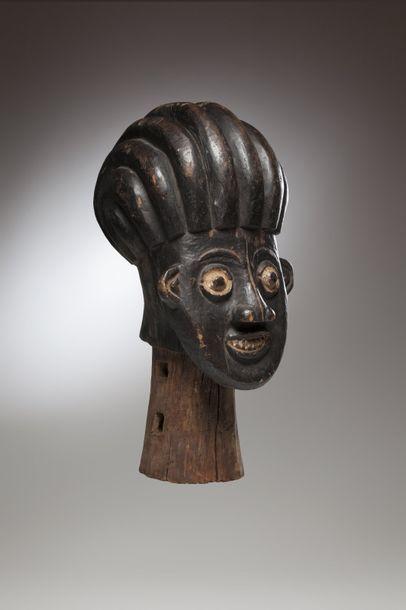 """BAMOUN, Cameroun  Important cimier de danse """"Tungunga"""" dont le cou était à l'origine..."""