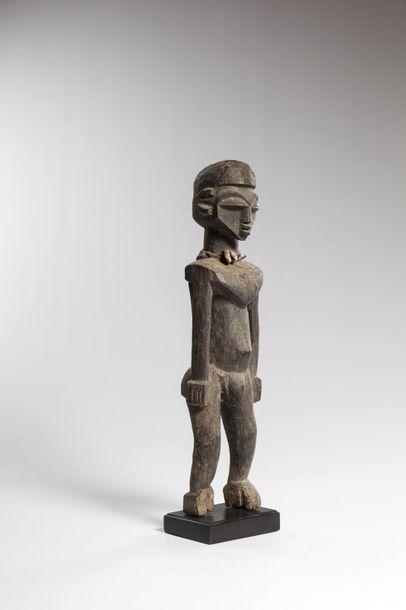 LOBI, Burkina Faso  Statue masculine à patine...