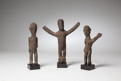 LOBI, Burkina, Faso  Trois statuettes provenant...