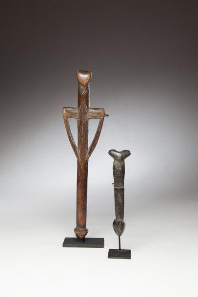 NUMUNA, Burkina Faso  Deux flûtes cérémonielles...