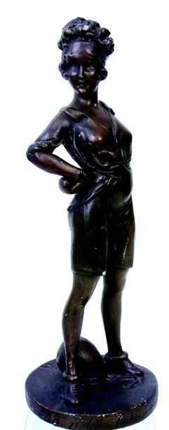 «La Petite femme de sport» Figurine artistique...
